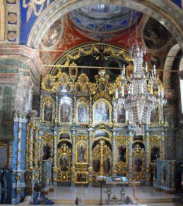 Iconostasul_bisericii_-_Mănăstirea_sârbă_Sf._Gheorghe